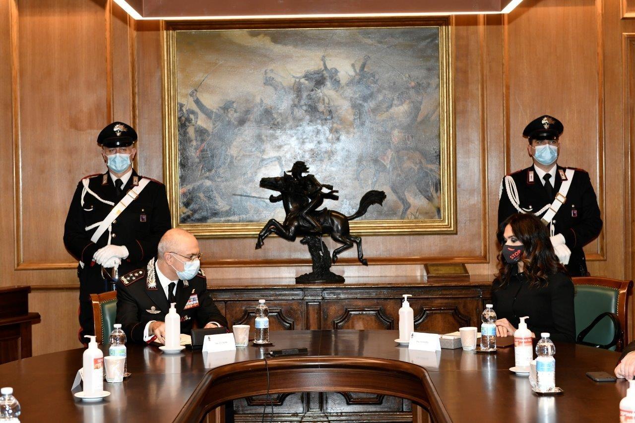 Violenza donne: protocollo tra Arma Carabinieri e associazione Vite Senza Paura